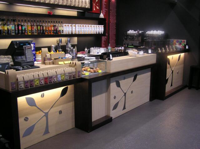 Arredo bar e negozi torino arredamenti sumisura for Arredamenti per bar