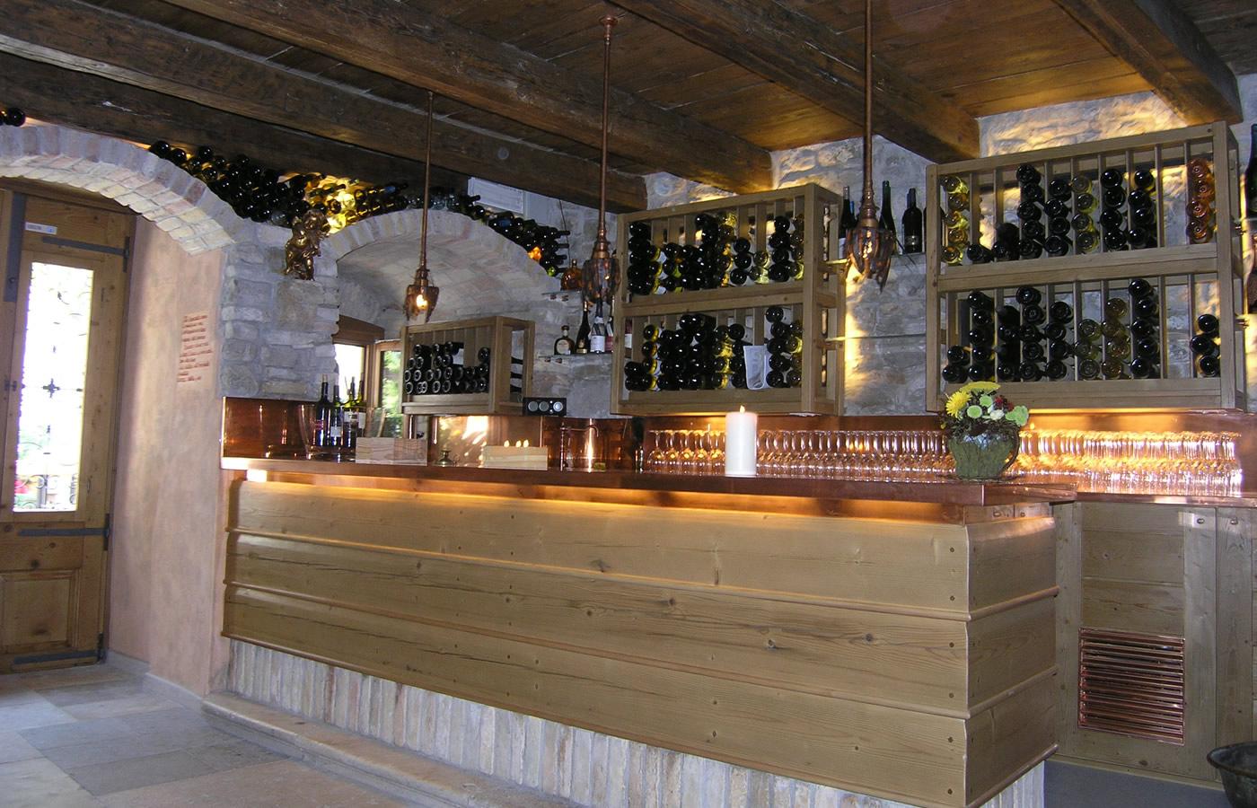 Arredo bar e negozi torino arredamenti sumisura for Arredamento per bar ristorante