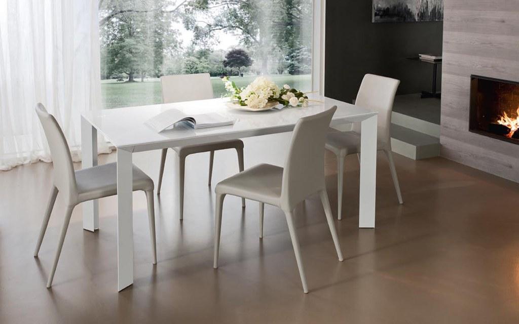 Tavoli e sedie torino sumisura arredamenti for Tavoli arredo